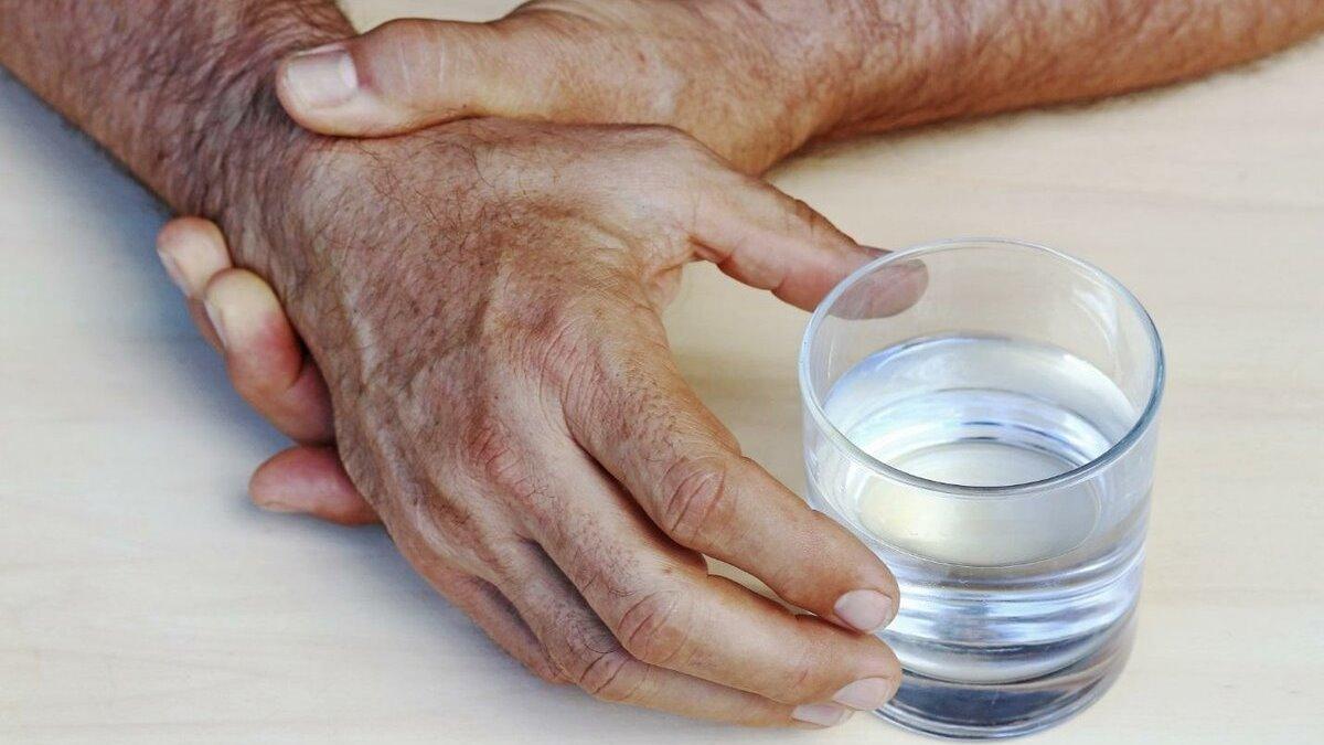 Почему трясутся руки после похмелья
